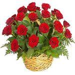 Розы в корзине - цветы и букеты на salonroz.com