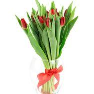 Букет із 15 червоних тюльпанів - цветы и букеты на salonroz.com