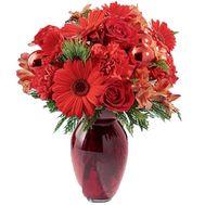 Новогодний букет в красных тонах - цветы и букеты на salonroz.com