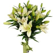 Beautiful lilies in a bouquet - flowers and bouquets on salonroz.com