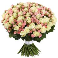 A chic bouquet of spray and common roses - flowers and bouquets on salonroz.com