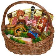 Вкусная новогодняя корзина на подарок - цветы и букеты на salonroz.com