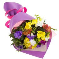 Lovely bouquet of freesias - flowers and bouquets on salonroz.com