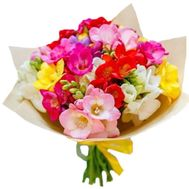 A charming bouquet of freesias - flowers and bouquets on salonroz.com