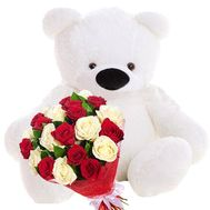 Big teddy bear and bouquet of roses - flowers and bouquets on salonroz.com