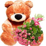 Big teddy bear with bouquet of spray roses - flowers and bouquets on salonroz.com