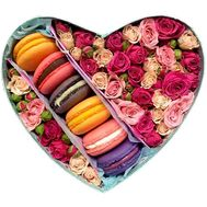 Bouquet in a box heart with macarons - flowers and bouquets on salonroz.com
