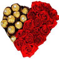 Коробка сердце с розами и ферреро - цветы и букеты на salonroz.com