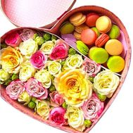 Box in the form of heart with macarons - flowers and bouquets on salonroz.com