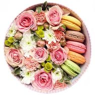 A box of flowers with macarons - flowers and bouquets on salonroz.com