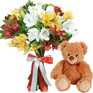 Мишка с букетом альстромерий - цветы и букеты на salonroz.com