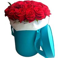 21 red rose in a hat box - flowers and bouquets on salonroz.com