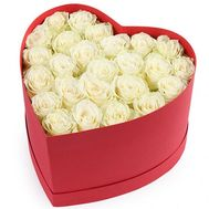 25 white roses in a box heart - flowers and bouquets on salonroz.com