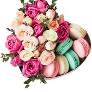 Box of flowers in the form of heart with macarons - flowers and bouquets on salonroz.com
