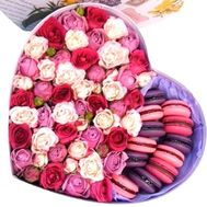 macarons with roses - flowers and bouquets on salonroz.com