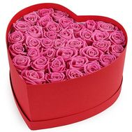 Pink roses in a box in the shape of a heart - flowers and bouquets on salonroz.com