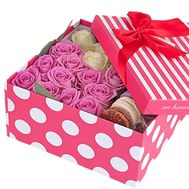 Roses and macarons in a square box - flowers and bouquets on salonroz.com