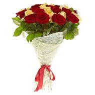 Букет из 25 белых и красных роз - цветы и букеты на salonroz.com