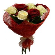Букет из 7 разноцветных роз - цветы и букеты на salonroz.com