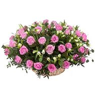 Basket of roses and alstroemerias - flowers and bouquets on salonroz.com