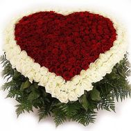 Heart of 351 roses - flowers and bouquets on salonroz.com