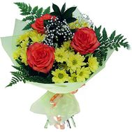 Bouquet of flowers from 4 chrysanthemums and 3 roses - flowers and bouquets on salonroz.com