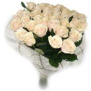 Букет із 35 кремових троянд - цветы и букеты на salonroz.com