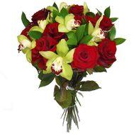 Букет из 7 орхидей и 10 роз - цветы и букеты на salonroz.com