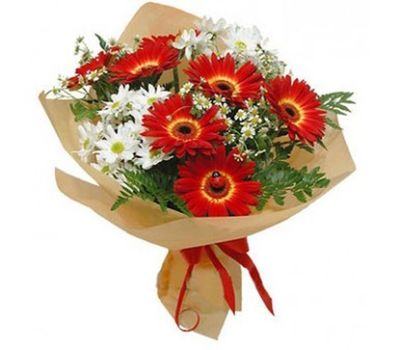 """""""Bouquet of 7 gerbera flowers and 2 chrysanthemums with verdure"""" in the online flower shop salonroz.com"""