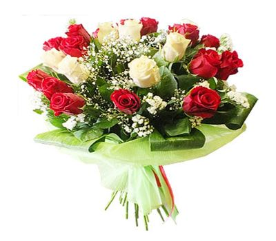 """""""Bouquet of 21 red and white roses"""" in the online flower shop salonroz.com"""