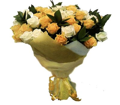 """""""Bouquet of 43 yellow and white roses"""" in the online flower shop salonroz.com"""