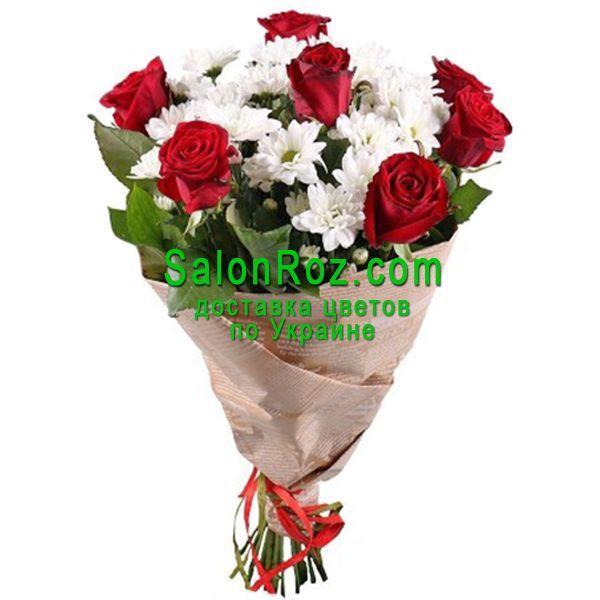 buket-krasnie-rozi-i-belie-hrizantemi