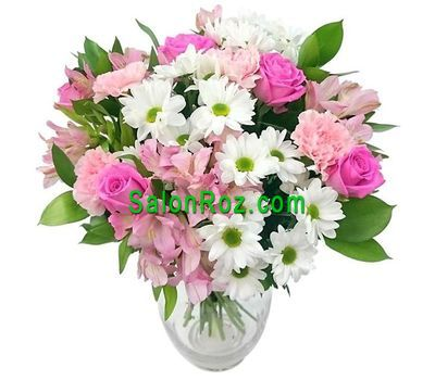 """Delicate bouquet for romantic girls"" in the online flower shop salonroz.com"