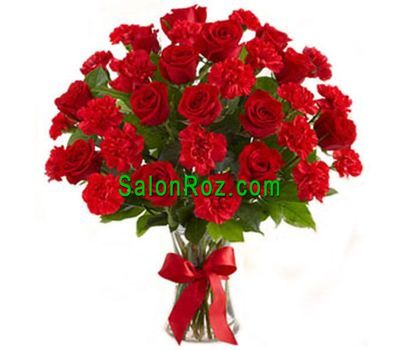"""Bouquet of flowers from 12 roses and 15 cloves"" in the online flower shop salonroz.com"