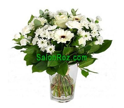 """Bouquet of flowers of 4 gerberas, 6 chrysanthemums and 1 rose with greens"" in the online flower shop salonroz.com"