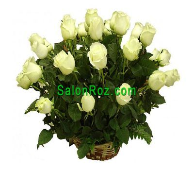 """A basket of 21 white roses"" in the online flower shop salonroz.com"