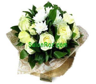 """""""Букет из 17 роз и 2 хризантем"""" в интернет-магазине цветов salonroz.com"""