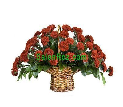 """""""Корзинка цветов из 45 красных гвоздик"""" в интернет-магазине цветов salonroz.com"""