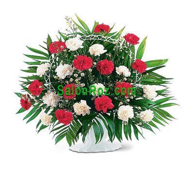 """""""Корзинка цветов из 23 белых и красных гвоздик"""" в интернет-магазине цветов salonroz.com"""